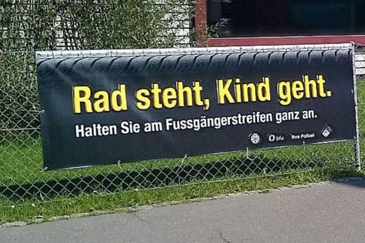 Im Kanton Glarus startet nächste Woche die Schule.