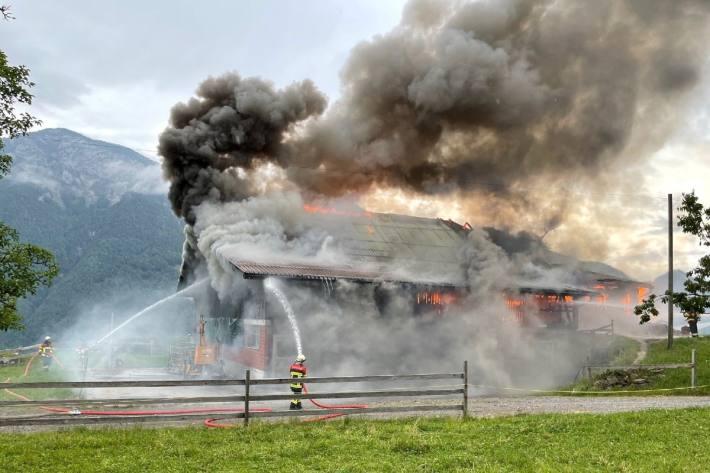 In Seelisberg UR brannte heute ein Stall nieder.