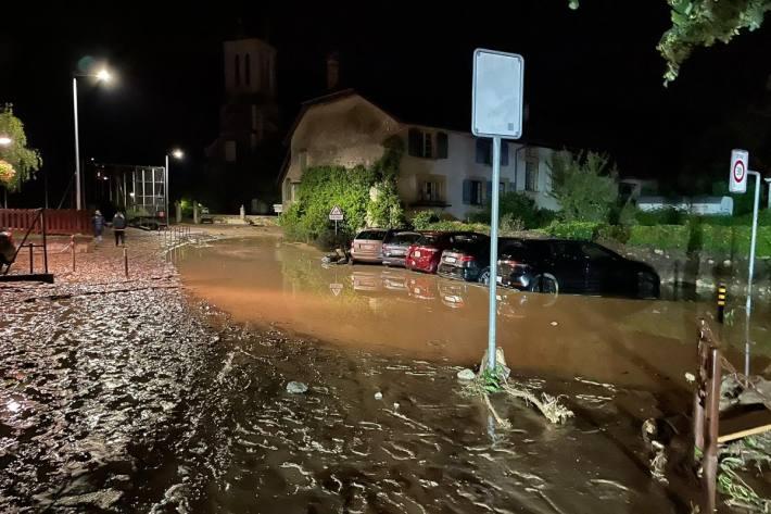 Die Gegend wurde an vielen Orten überschwemmt.
