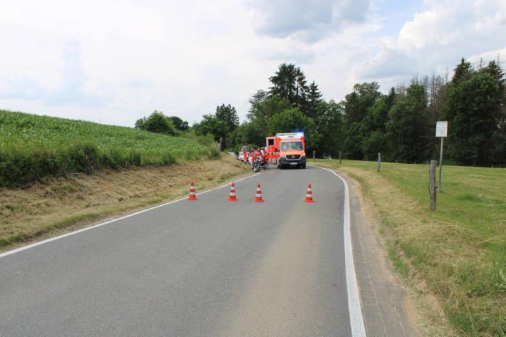 Motorradfahrer überschlägt sich und wird schwer verletzt bei Rösrath
