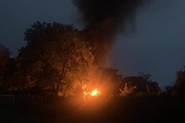 Brand eines Gartenhaus in Schlieren