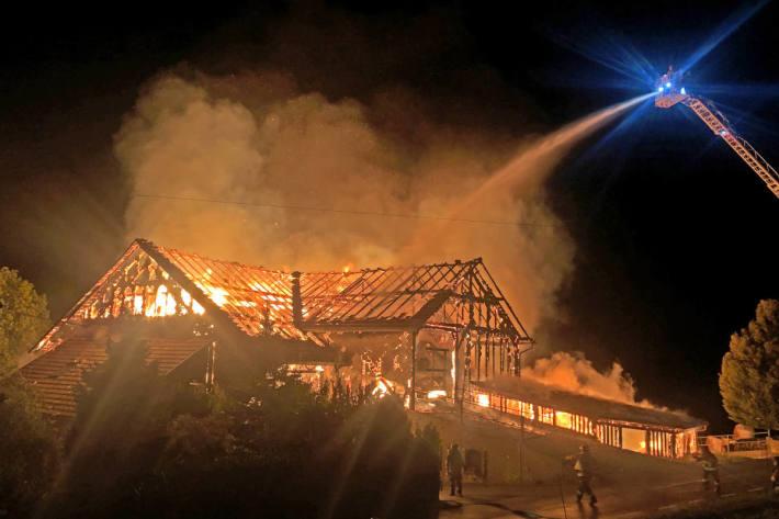 Bauernhaus von Flammen in Romont zerstört