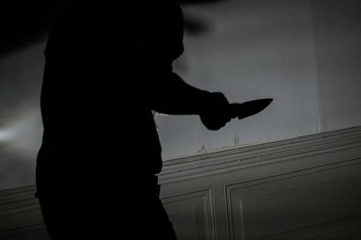 Einen 25-Jährigen mit einem Messer im Gesicht verletzt haben soll ein 33-Jähriger in Freiburg (Symbolbild)