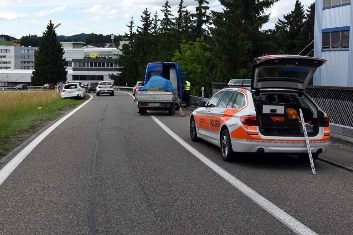 Auffahrunfall auf der Autobahn in Oberbüren