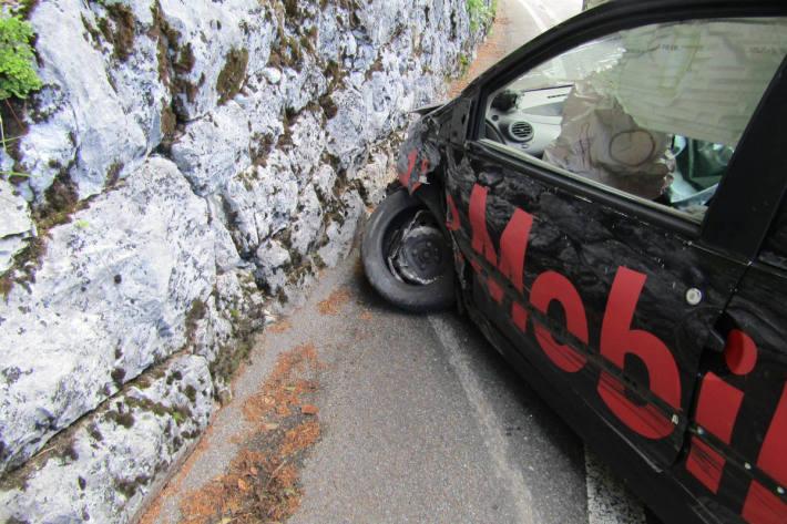 Unfallsituation auf dem Klausenpass bei Linthal