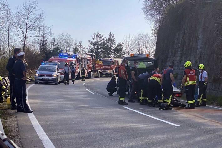 Schwerer Motorradunfall auf der B124