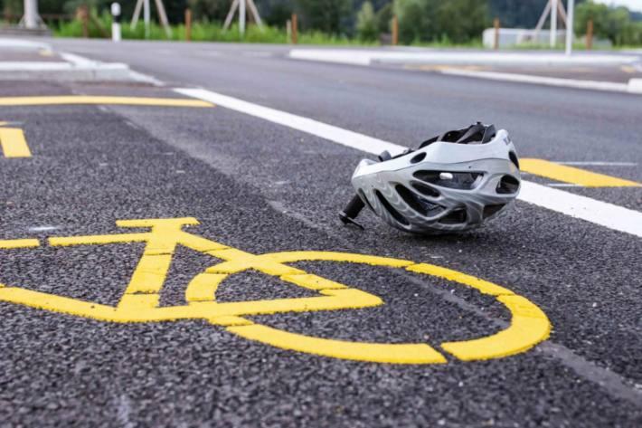 In Rapperswil-Jona verletzte sich gestern ein Velofahrer schwer.