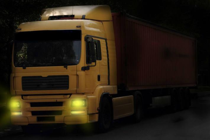 Ausnahmetransport missachtet mehrere Vorschriften in Göschenen (Symbolbild)