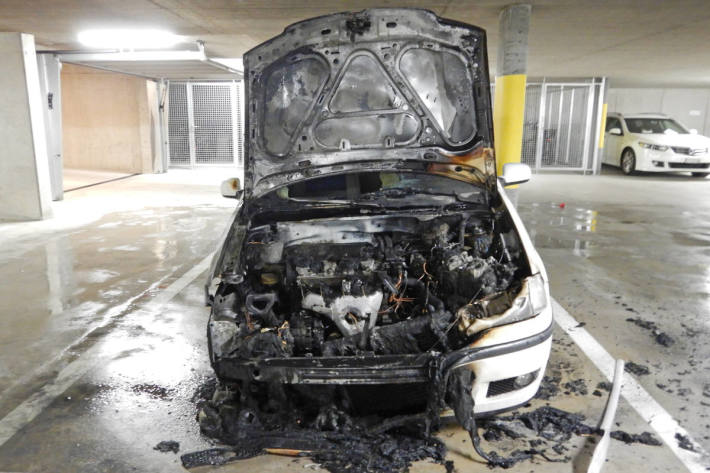 Ausgebranntes Fahrzeug in der Tiefgarage in Sirnach