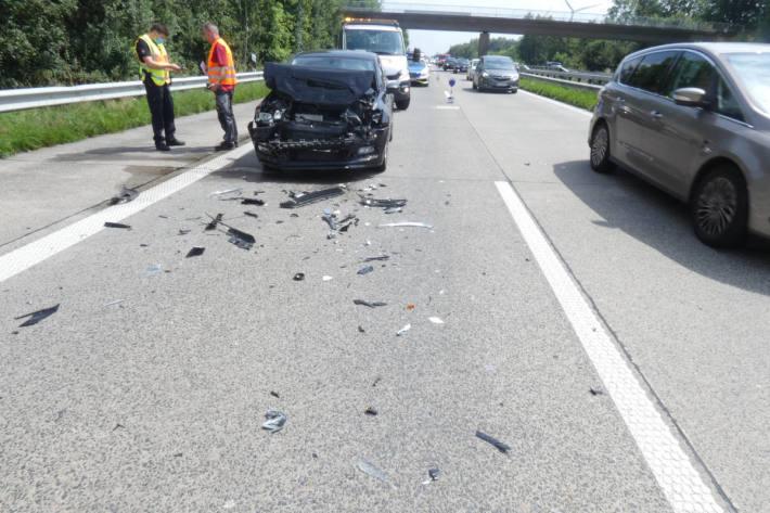 2 Verkehrsunfälle infolge Staubildung auf der A29