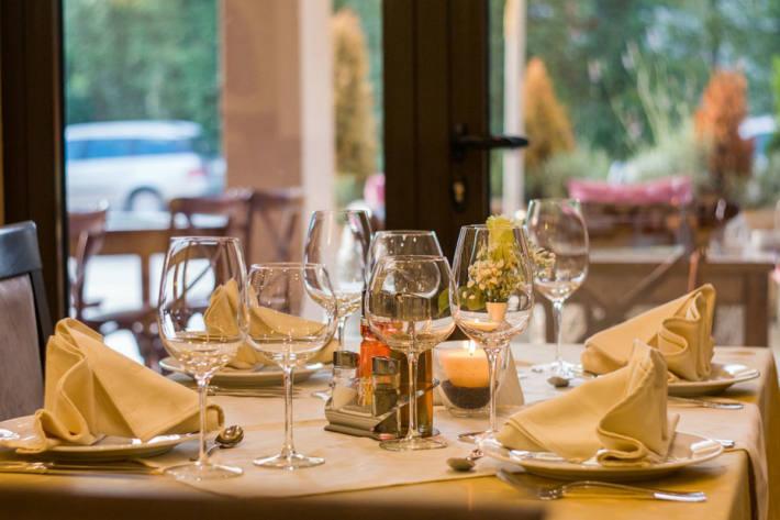 Der Kanton Graubünden gewährt Gastronomiebetrieben eine Entschädigung für bereits eingekaufte Frischwaren, die nicht mehr verwendet werden können.