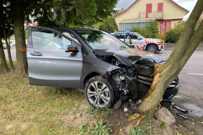 Die Autolenkerin musste hospitalisiert werden.