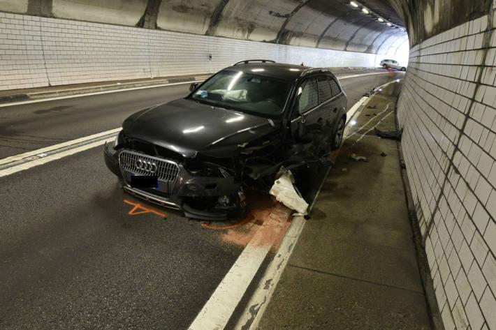 Beide Auto erlitten Totalschaden.