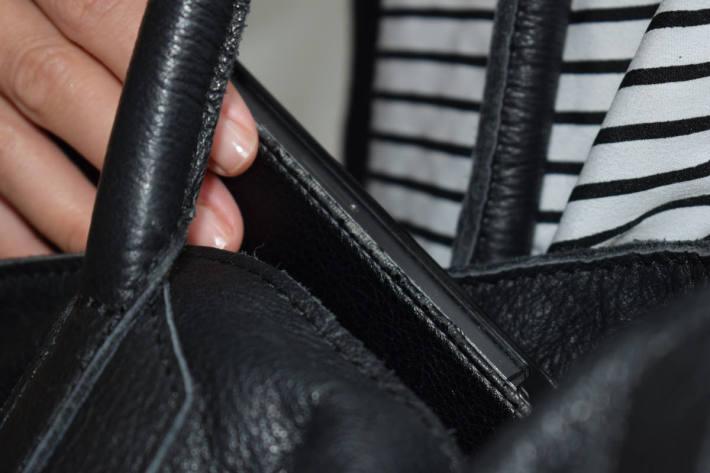 Vorsicht vor Taschendieben!