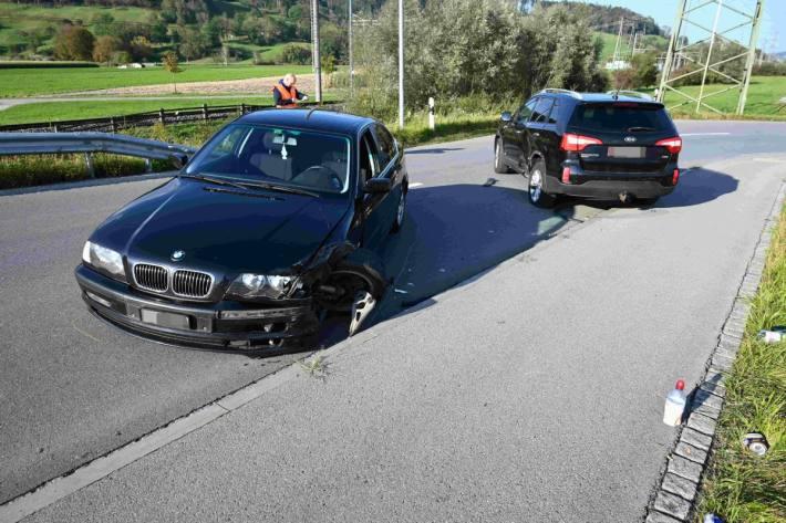 Eine Person verletzte sich bei der Kollision in Rüthi SG.