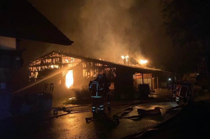 In Oberbalm BE brannte ein Stall letzte Nacht.