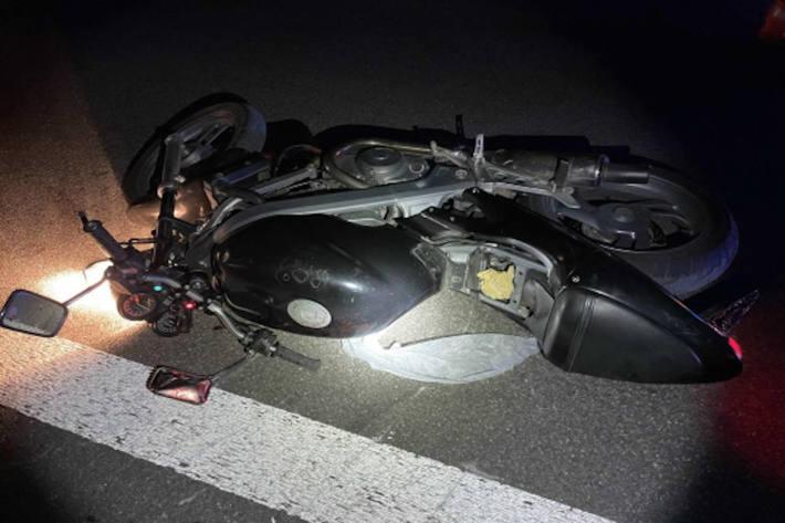 Durch den Aufprall wurde dem Motorradfahrer der linke Unterarm abgerissen