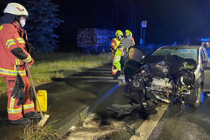Autofahrerin verstirbt noch an der Unfallstelle