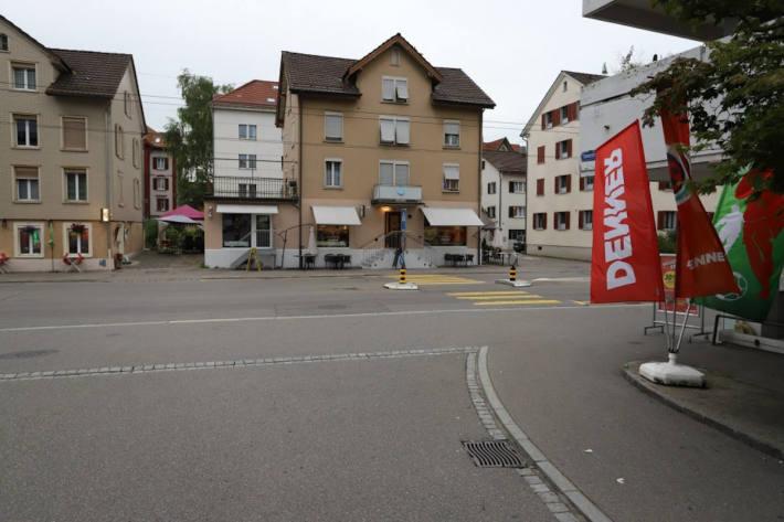 Auto erfasst Kind auf einem Fussgängerstreifen auf der Zürcherstrasse in St.Gallen
