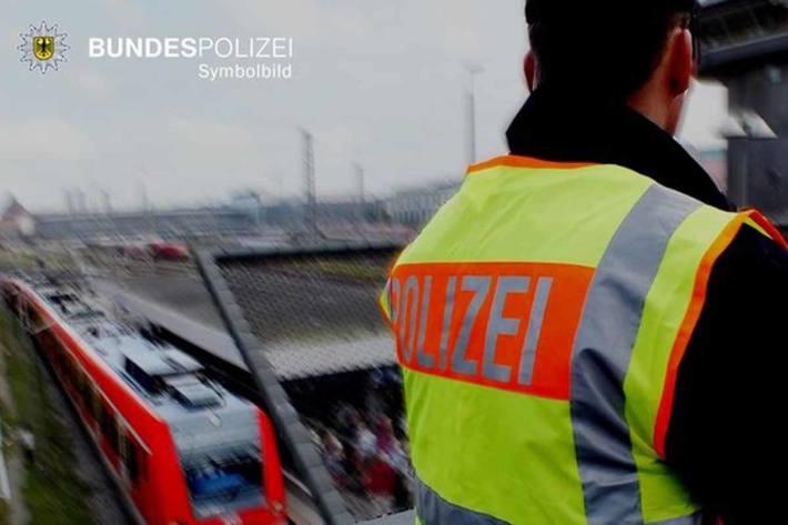 28-jähriger Berliner stürzt beim S-Bahnsurfen in München vom Dach und zieht sich schwere Brandverletzungen zu