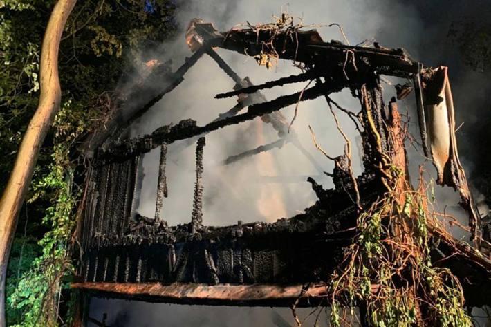 Foto des abgebrannten Hauses in Velbert