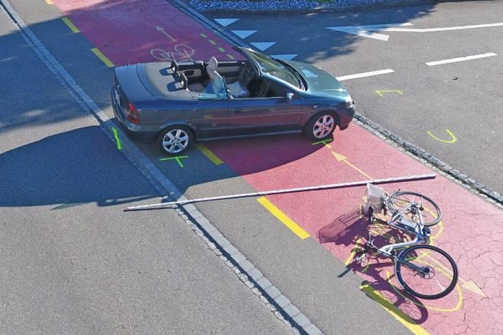 Gestern verletzte sich bei einer Kollision in Sirnach TG ein E-Bike-Fahrer schwer.