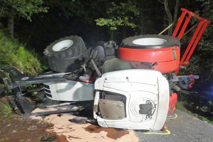 17-Jähriger mit Traktor verunglückt in Reichshof