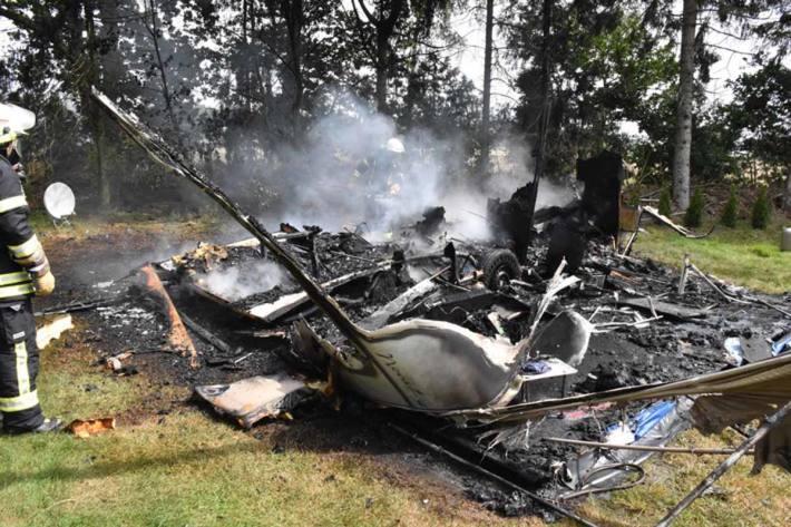 Ausgebrannter Wohnwagen in Großenkneten