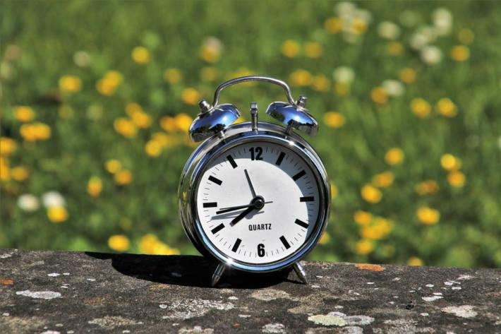 Die Uhren werden um 3.00 Uhr auf 2.00 Uhr zurückgestellt (Symbolbild)