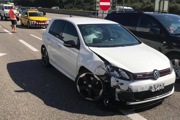 Verkehrsunfall auf der A2 bei Pratteln
