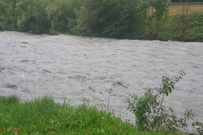 Das Hochwasser wird auch im Kanton Zürich immer mehr zum Thema. (Symbolbild)