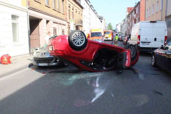 Der Sachschaden wird in Odenthal insgesamt auf circa 23.000 Euro geschätzt