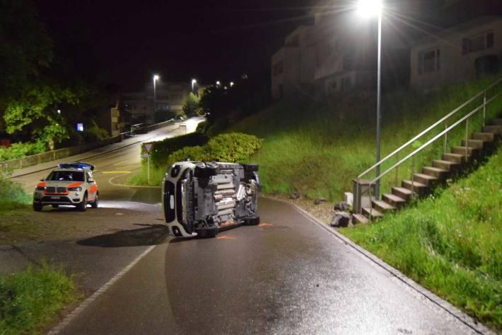 Selbstunfall mit Auto in Herisau