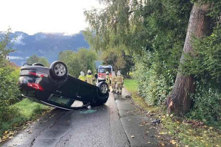 Betrunken mit Auto überschlagen in Hohenems