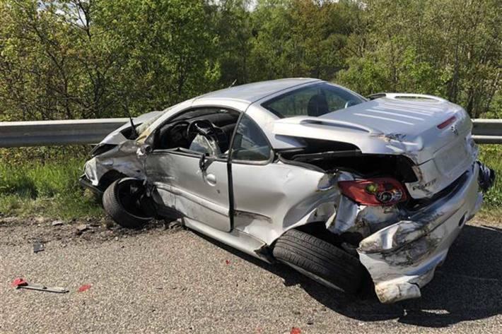40-Jähriger ohne Führerschein verursacht Unfall in Pfaffenbach
