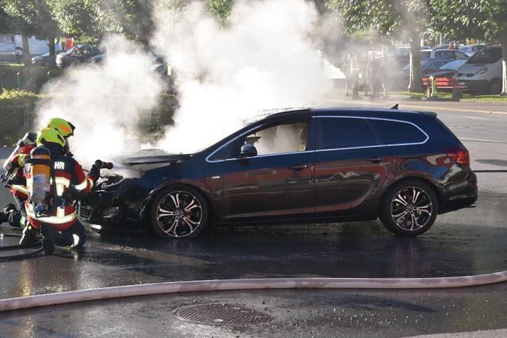 In Emmetten NW brannte ein heute ein Auto.