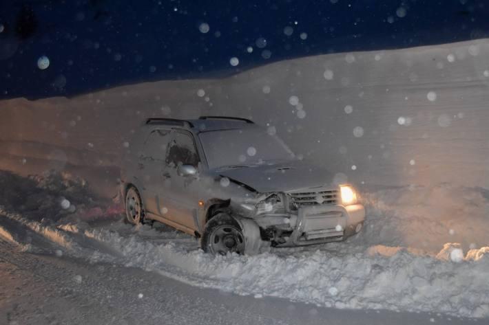Das bergwärts gefahrene Auto beim Unfall auf dem Berninapass