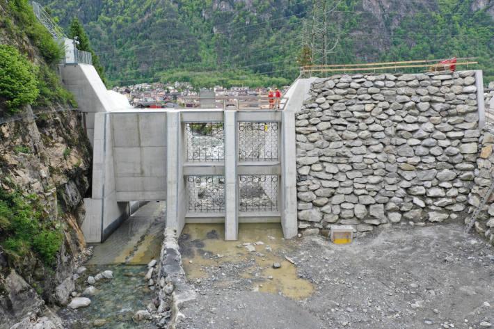 Bauwerke schützen Siedlungen vor Hochwasser
