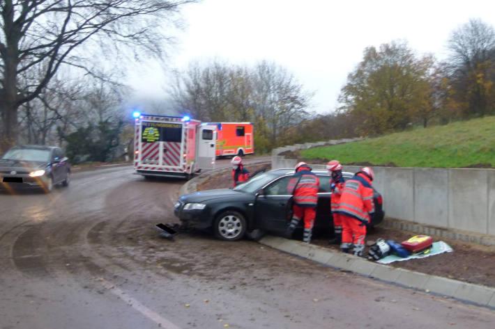 Schwerer Verkehrsunfall mit einer tödlich verletzten Person in Bad Oeynhausen