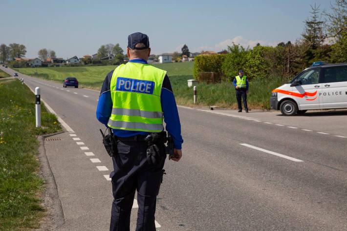 Jugendliche flüchten mit gestohlenem Fahrzeug in Marly