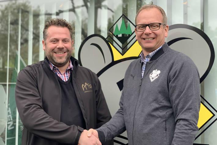 Gastrounternehmer Daniel Peyer (links) von der Peyer GmbH mit Patrick Reber, CEO EHC Olten AG