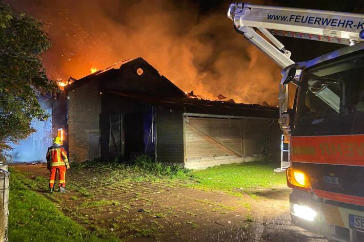 Feuer in einem landwirtschaftlichen Betrieb in Kisdorf