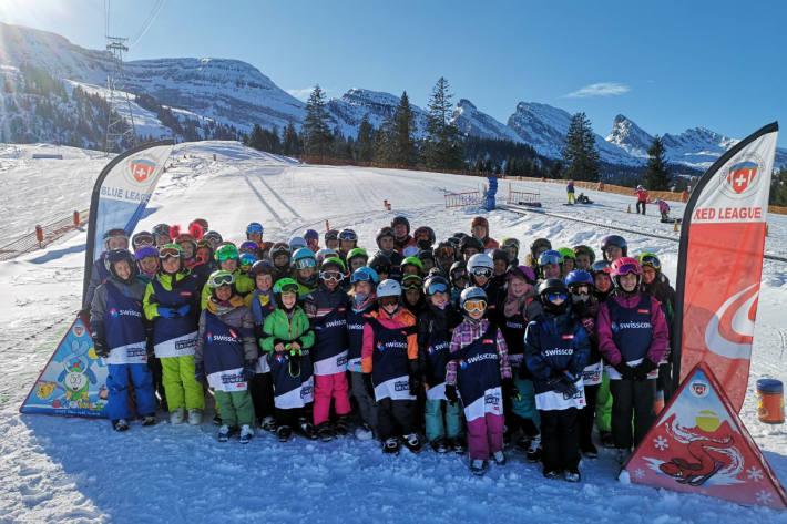 Strahlende Kinder am Skitag im Toggenburg.