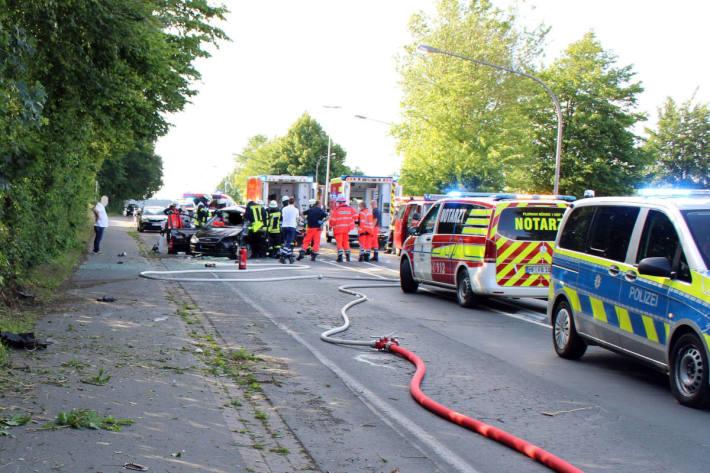Auto überschlägt sich in Hüllhorst
