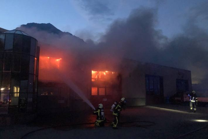 In Charrat brannte gestern eine Schreinerei.