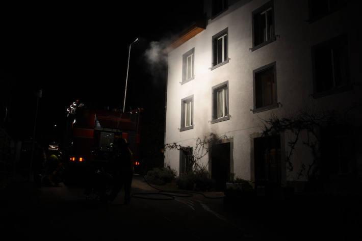 Brand in Keller eines Mehrfamilienhauses in Uznach