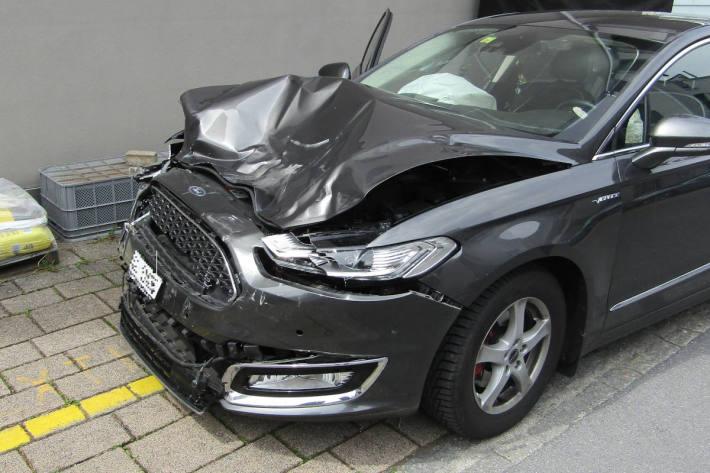 Unfallfahrzeug in Niederurnen