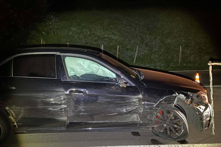 In Zug baute heute Nacht ein Autolenker einen Unfall unter Alkoholeinfluss.