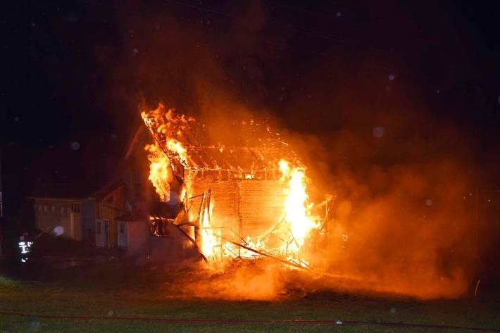 Zum Zeitpunkt des Brandausbruches befanden sich acht Rinder im Stall