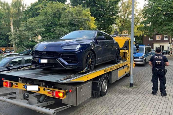 Führerschein und das Luxus-Fahrzeug sind in Mülheim an der Ruhr sichergestellt